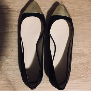 C. Wonder | Black & Metallic Cap Toe Ballet Flats